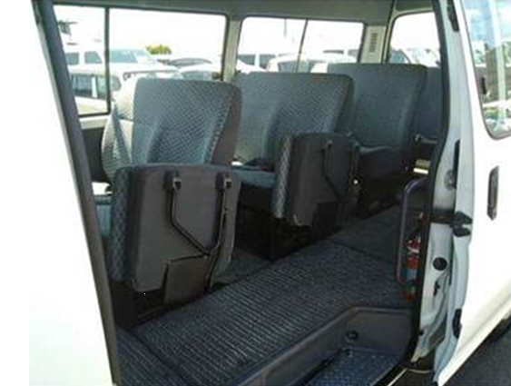 Toyota Hiace Commuter full