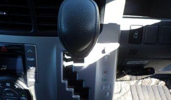 Toyota Voxy 2010 full