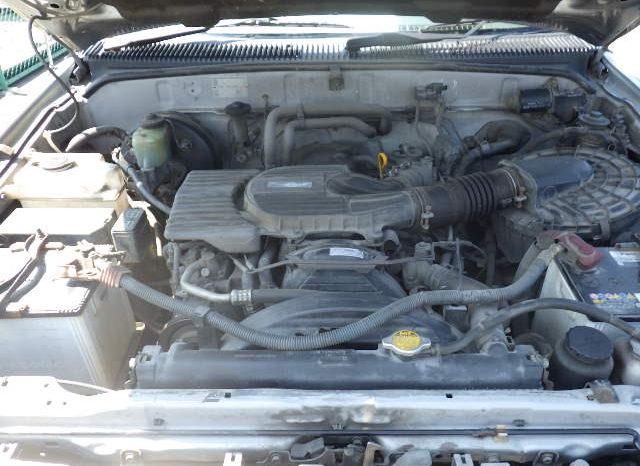 Toyota Hilux 2004 full