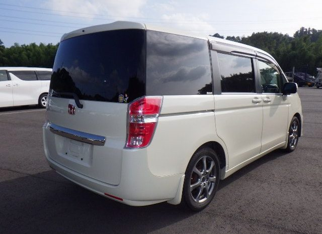 Honda Step Wagon 2010 full